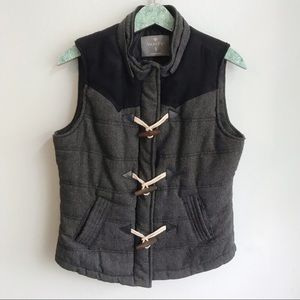 Vanity Toggle Closure Puffer Vest Gray Black